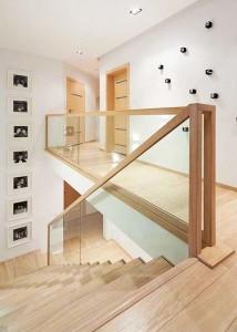 stair_glass_wood2