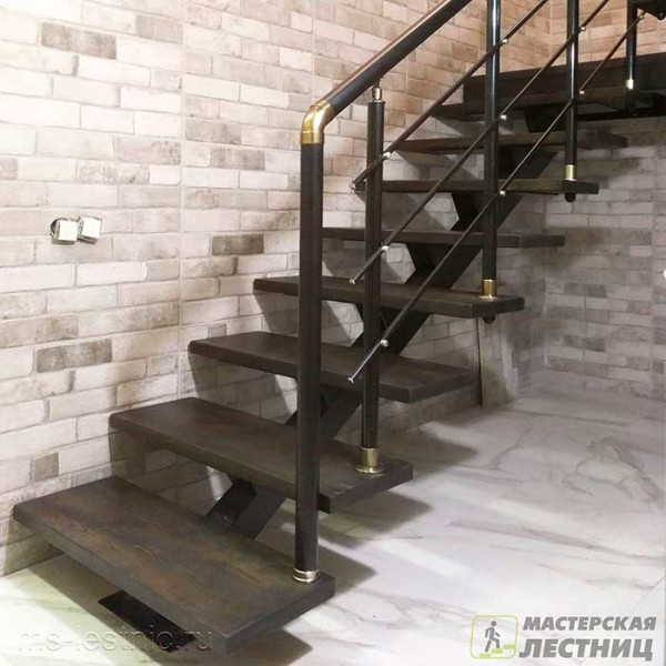 Лестница-на-монокосоуре-700-01